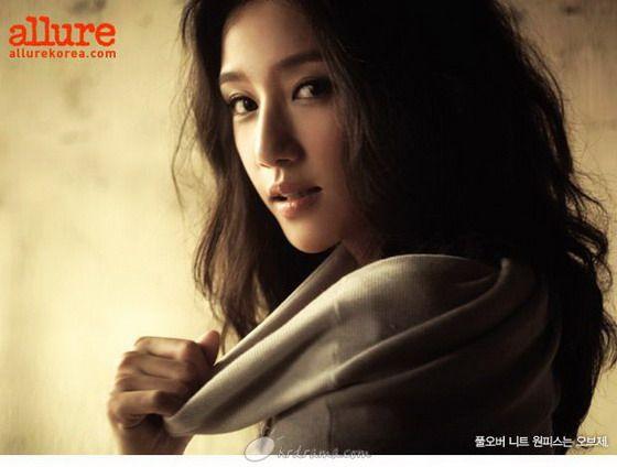Kim Min Allure Photoshoots