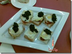 canape de sobrasada con huevo de codorniz