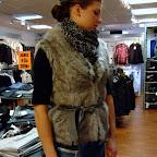Rut m.fl fuskpäls väst 599 kr   Miss Sixty mod.Radio 1299 kr   Sisters.Point scarf 199 kr