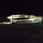 Gemini armband med budskap på.....A mother is one that knows us anyway........  99 kr