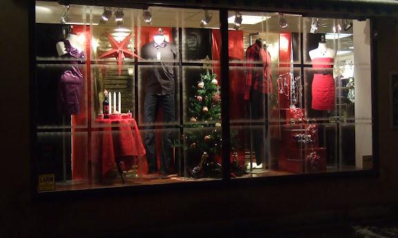 Stora skyltfönstret.....åhhhh vad man längtar till jul ;)