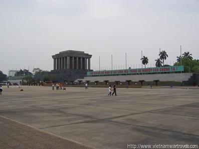 Hanoi Ho Chi Minh Mausoleum (11)