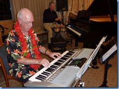 Peter Brophy playing his Yamaha PSR S-910 during Happy Hour