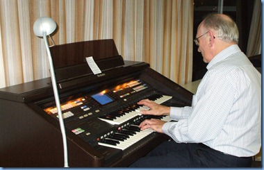 Alan Dadson whilst being unfamiliar with the Technics GA3 organ nevertheless played four numbers on it very nicely indeed. What is remarkable is that Alan does not own an organ these days but concentrates on piano.