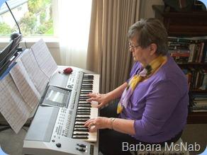 Barbara McNab at home on the Yamaha PSR-910 keyboard
