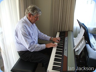 Ian Jackson breaking-in the Korg SP250 with his great blues style