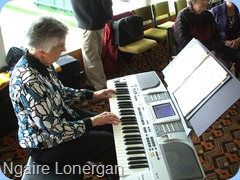 Ngaire Lonergan brought her lovely Technics KN2600 and played very nicely.