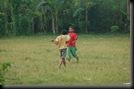 Anak kecil Main Sepakbola (8)