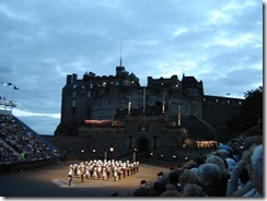 800px-Edinburgh_castle_tattoo