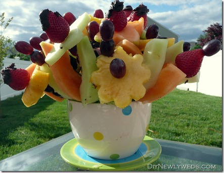 edible_fruit_arrangement