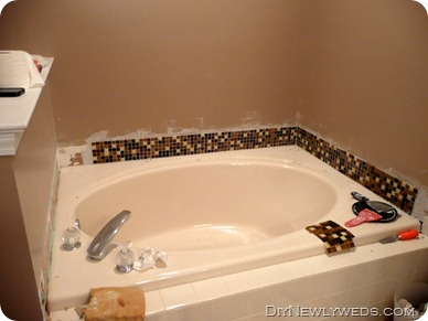 tiling-bathtub