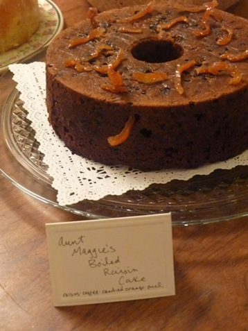 Aunt Maggies Boiled Raisin Cake