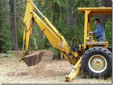 101009_backhoe_digging_hole