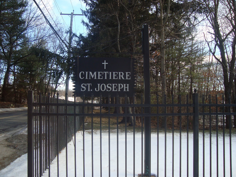 Cimetiere-St-Joseph Chelmsford - Main Gate
