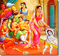 King Dasharatha with his family