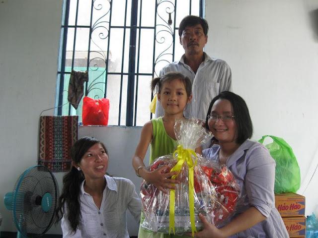 Chú Bùi Quang Thọ và Bé Trâm  IMG_1318