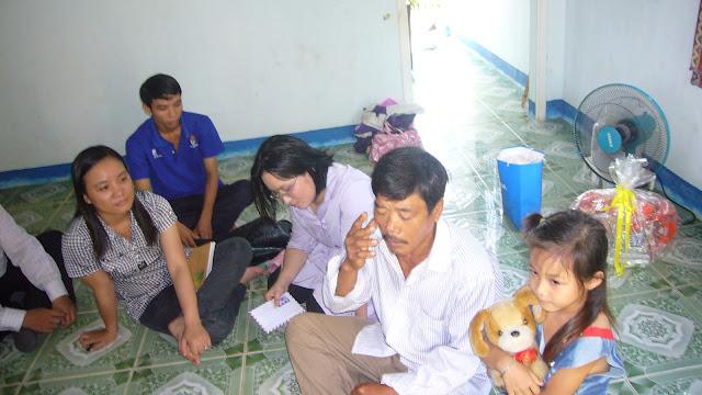Chú Bùi Quang Thọ và Bé Trâm  P1110249