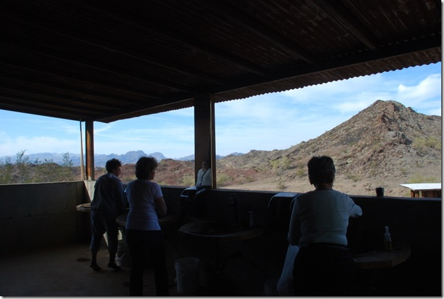 01-17-10 A Desert Bar (21)