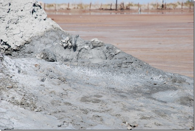 02-08-10 A Mud Volcanos Slabs 025
