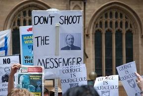Julian Assange 01
