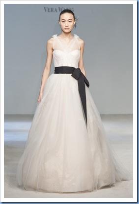 Vera-Wang-Fall-2010-Bridal-Dress