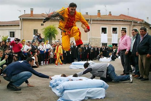 acrobat (3)