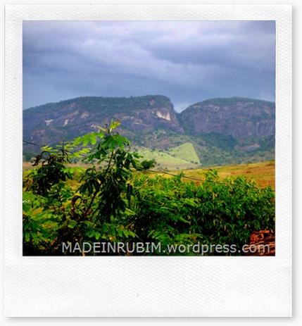 Em primeiro plano Rubim, zon urbana, ao fundo podemos observar a Serra da Cangalha, um dos Ecossistemas mais bonitos de se ver em Rubim e de Rubim