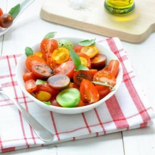 Simple Heirloom Tomato Medley Salad