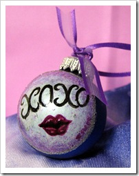 XOXO - Love Ya Glass Ornament