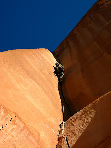 Tad redpointing Think Pink (5.11-)