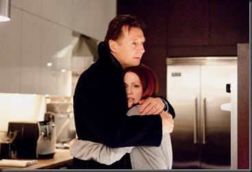 Chloe movie image Liam Neeson and  Julianne Moore (2)