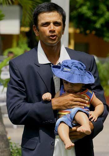 http://lh5.ggpht.com/_SsxoEWOEV3w/SzoyRysvs8I/AAAAAAAAAaU/hqLTiOydEuI/Rahul-Dravid-son-Samit.jpg