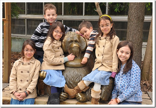 kids and orangutang