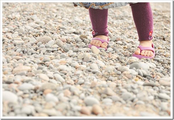 ella's feet