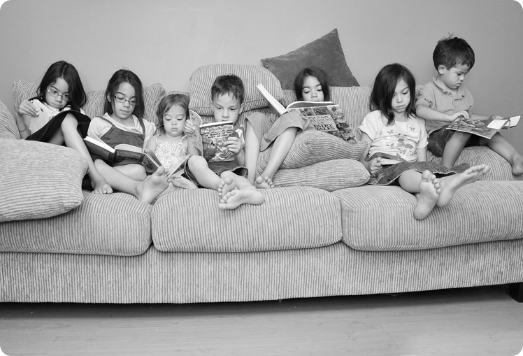 kids reading
