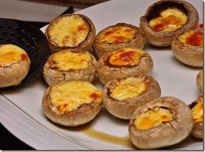 mushrooms-setting-on-plate