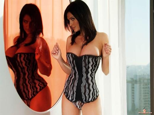 gata-sexy-com-roupas-intimas-15ec3