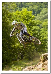 Toni_hip jump