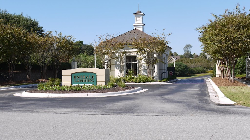 Emerald Landing a gated Soundfront Commumnity in Emerald Isle North Carolina