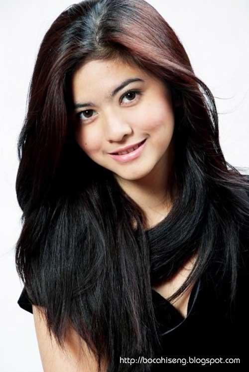 foto qory sandioriva - pemenang putri indonesia 2009