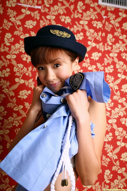 星野亞希爆乳警官小姐制服寫真照片11