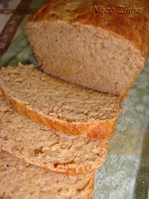 Pão integral de banana e iogurte