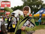 Patrykowska zgarnęła kilka gazetek BB, pewnie potajemnie przygotowuje się do przyszłego sezonu startowego.