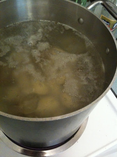 Potatos fixin' to boil