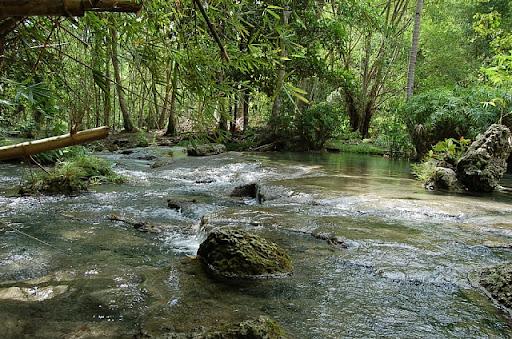 フィリピンはサマル島の滝(3)