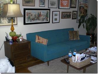 blue sofa 002