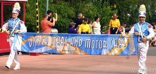 01_Disney%20Stars%20and%20Motor%20Cars%20Parade