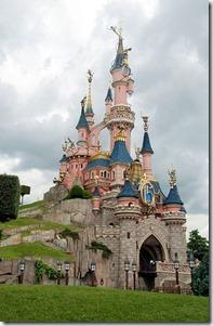 389px-Disneyland_June_2008-6