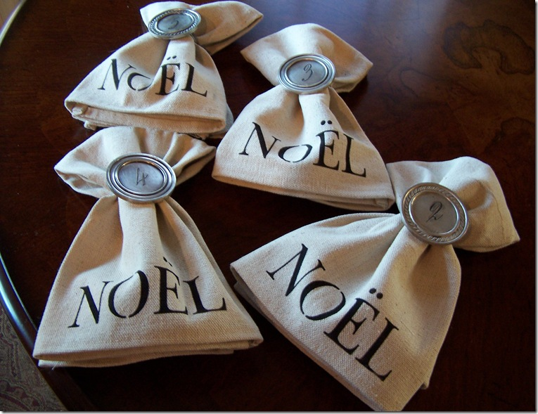 Napkin with Noel 010