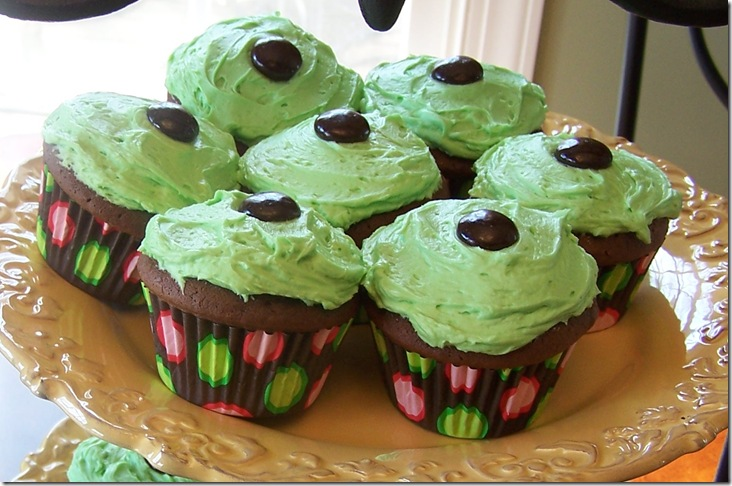 St. Pat's Cupcakes 051